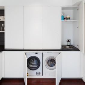 Белые фасады кухонной мебели