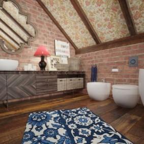 Ванная комната в мансарде частного дома
