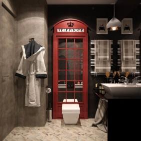 Телефонная будка в интерьере туалета