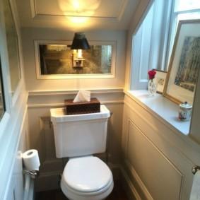 Маленький туалет в классическом стиле