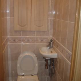 Компактная раковина с гигиеническим душем