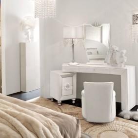 Интерьер светлой спальни в стиле модерн