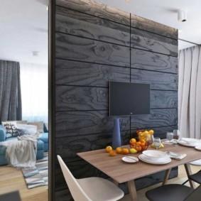 Декоративная перегородка из деревянных панелей