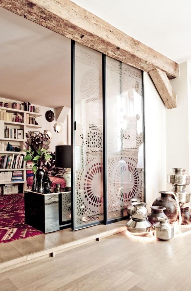 Матовый рисунок на сдвижных полотнах стеклянных дверей