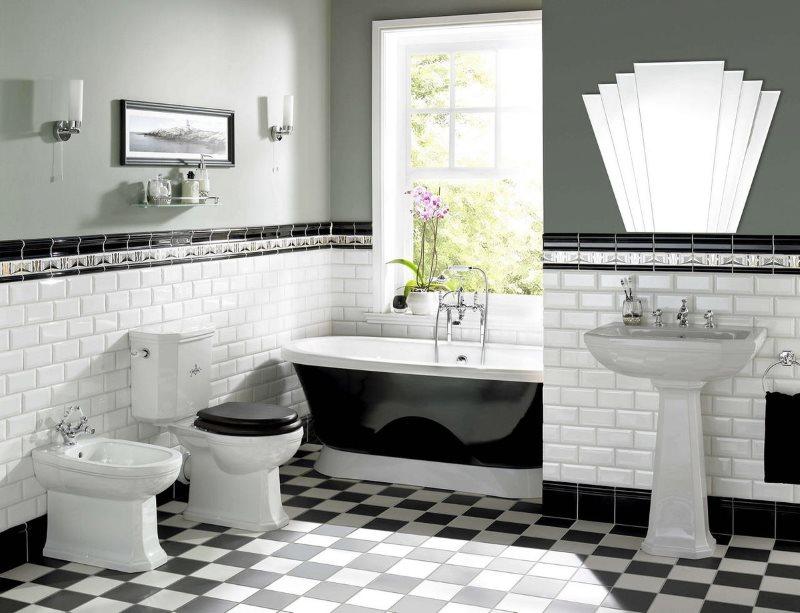 Белая плитка кабанчик в нижней части стены ванной комнаты