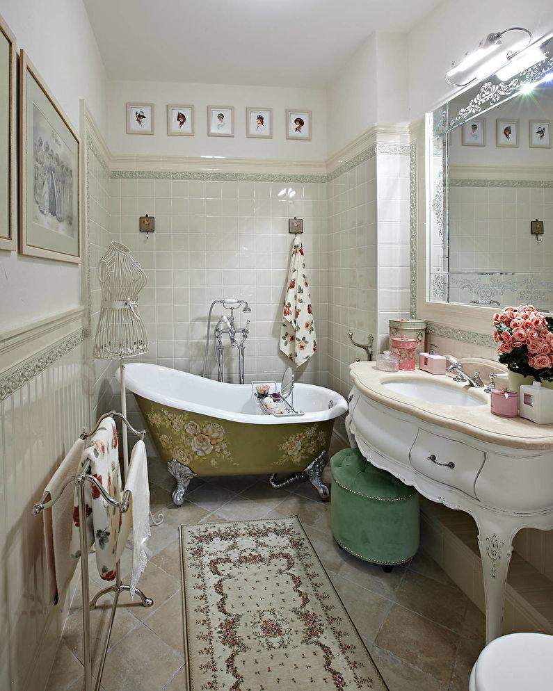 Керамический пол в ванной с антикварной мебелью