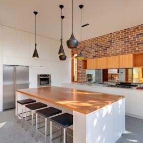 кухня с кирпичной стеной хай тек