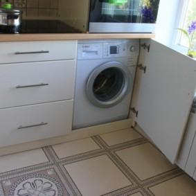 Место для стиральной машины в маленькой кухне