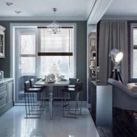 Серые занавески на окне кухни-гостиной
