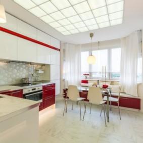 Красно-белая кухня -гостиная