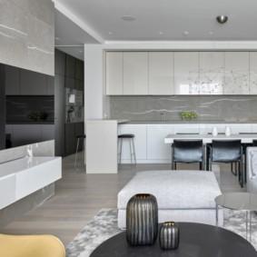 Гладкие фасады кухонной мебели