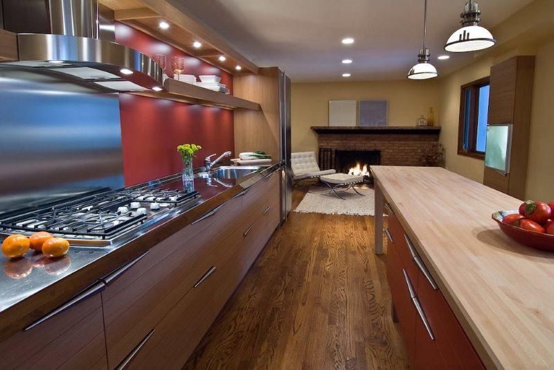 Параллельная планировка кухни частного дома в стиле модерн