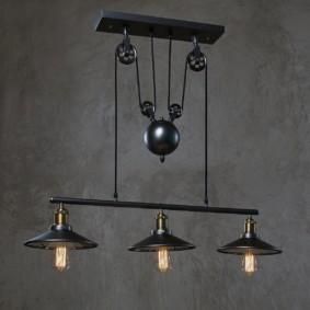 Подвесной светильник в индустриальном стиле