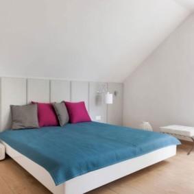 мансардная спальня декор