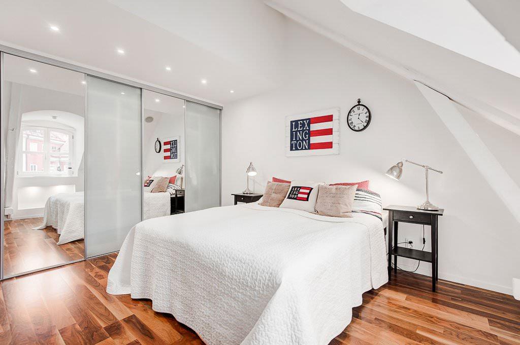 спальня на мансарде декор идеи