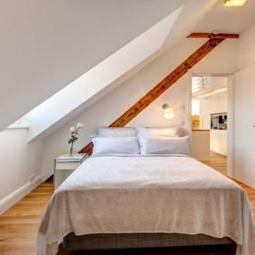 мансардная спальня идеи дизайна