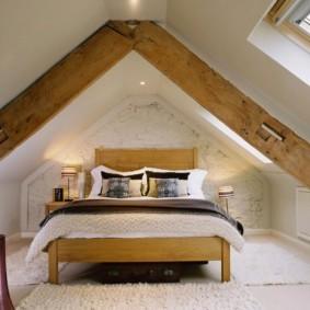 мансардная спальня идеи вариантов