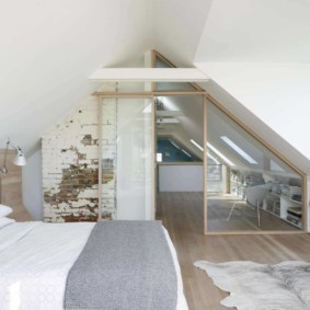 мансардная спальня оформление