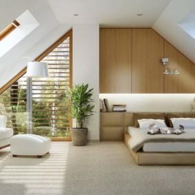 мансардная спальня оформление фото