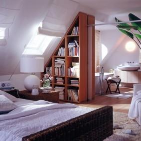 мансардная спальня варианты фото