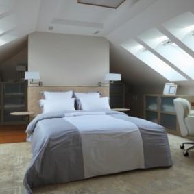 мансардная спальня виды идеи