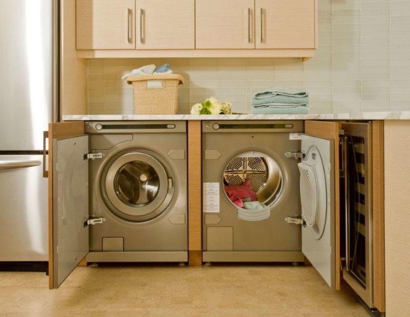 Встроенные стиральные машинки с петлями для дверок