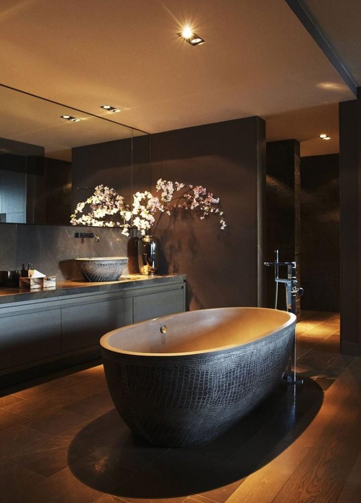 Мягкое свечение потолочных светильников в ванной комнате
