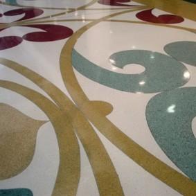 Наливной пол с цветными узорами