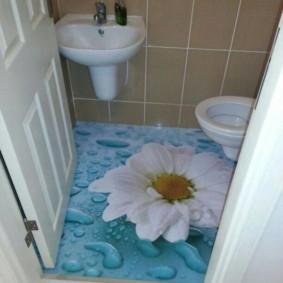 наливной пол в туалете квартиры в панельном доме