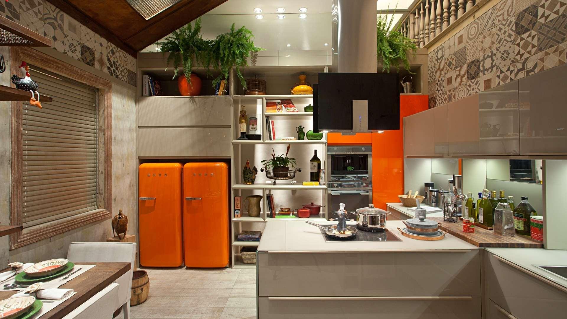 два холодильника на кухне