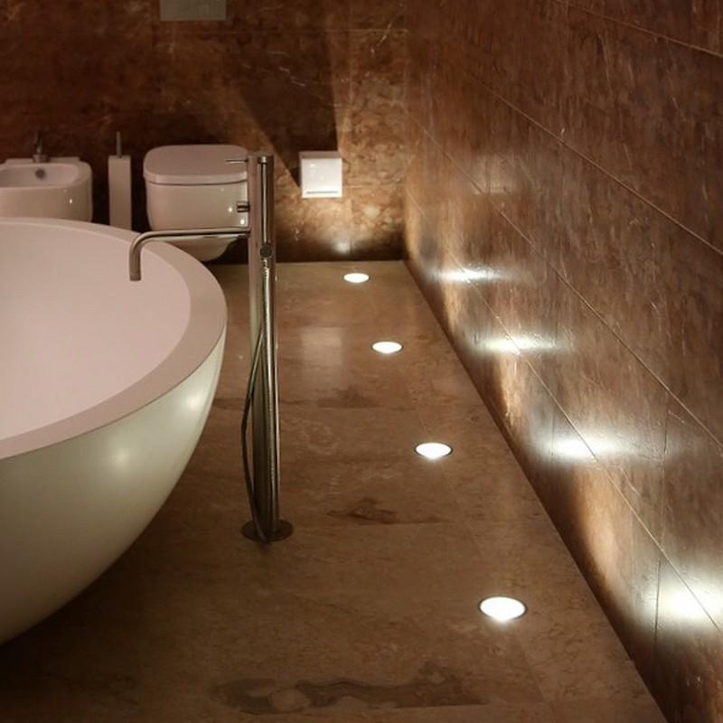 Встроенные в керамический пол декоративные светильники