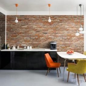 кухня с кирпичной стеной фото