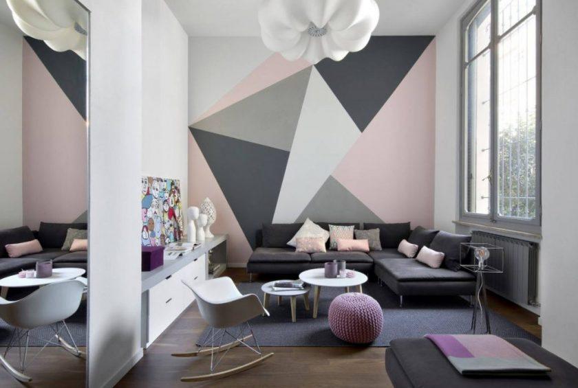 обои в гостиной с геометрическим рисунком