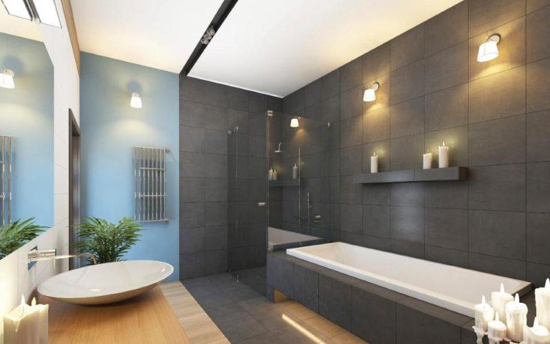 Светильники на серой стене ванной комнаты