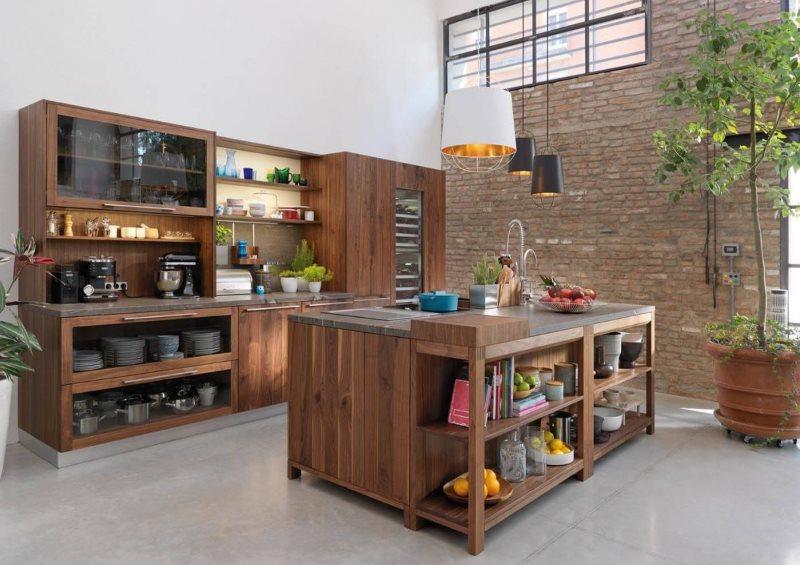 Кухонный остров из дерева в кухне-гостиной