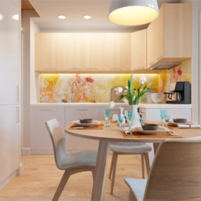 Шпонированные спинки кухонных стульев