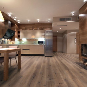 Точечные светильники на кухонном потолке