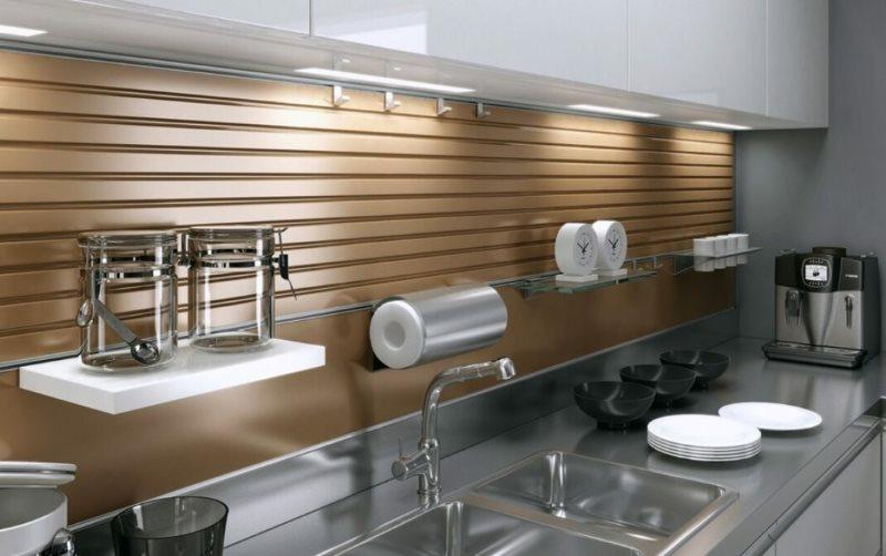 Кухонный фартук из реечных панелей МДФ
