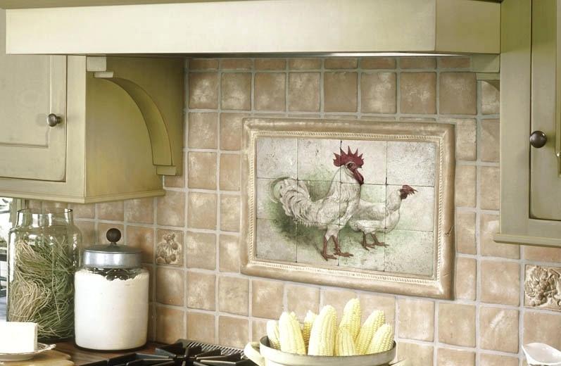Кафельное панно на фартуке кухни в деревенском стиле