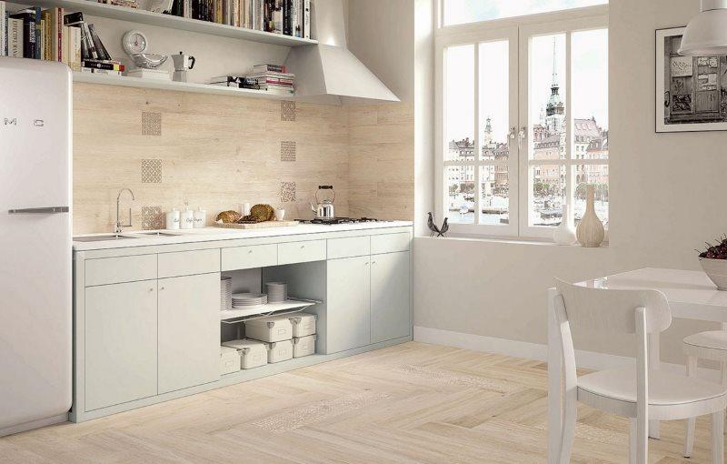 Декор кухонного фартука панелями пастельного тона