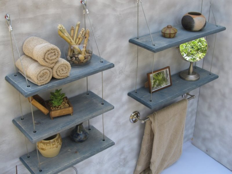 Деревянные полочки на подвеске из тросиков