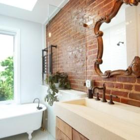 Кирпичная кладка в интерьере ванной