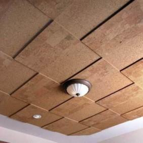 Рельефная поверхность пробкового потолка