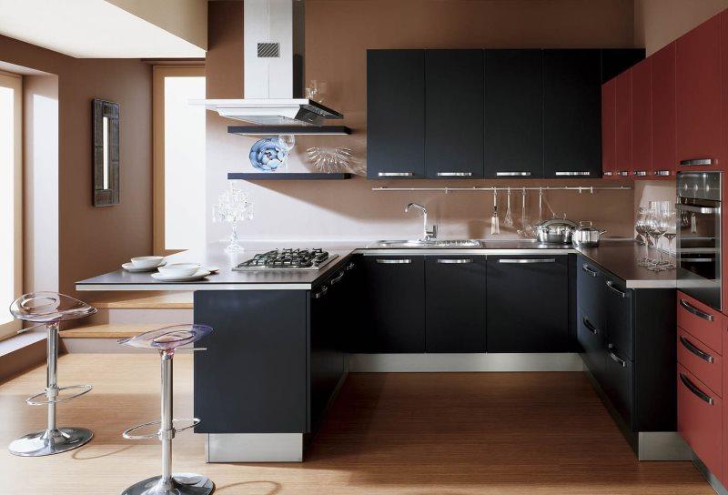 Прозрачные барные стулья на кухне современного стиля