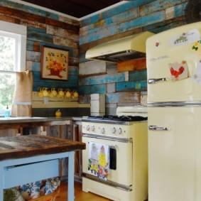 бюджетный интерьер кухни ретро