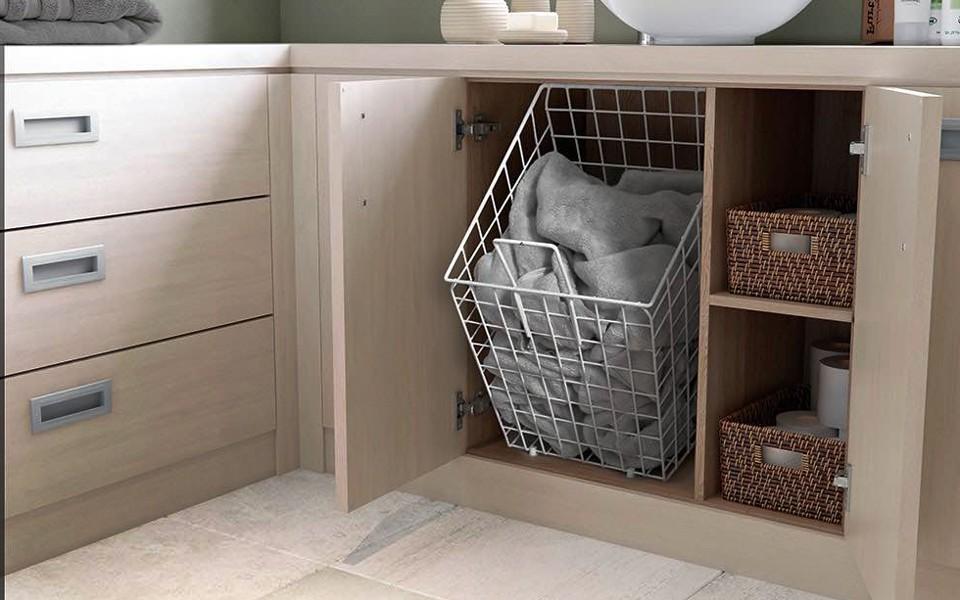шкаф пенал с бельевой корзиной для ванной дизайн фото