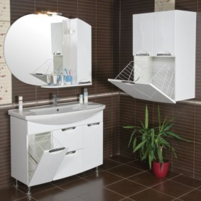шкаф пенал с бельевой корзиной для ванной идеи фото
