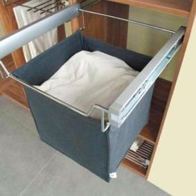 шкаф пенал с бельевой корзиной для ванной виды фото