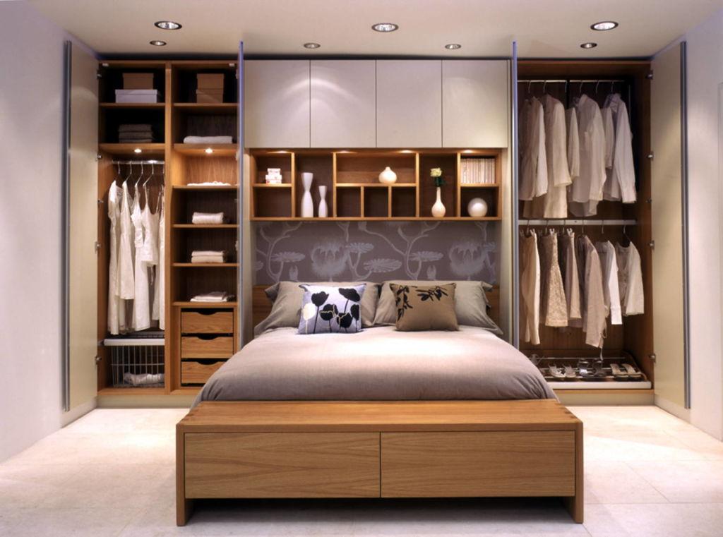 шкаф над кроватью в спальне дизайн фото