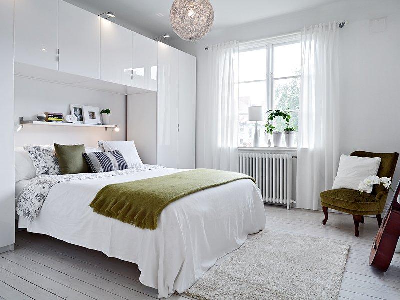 шкаф над кроватью в спальне идеи дизайна
